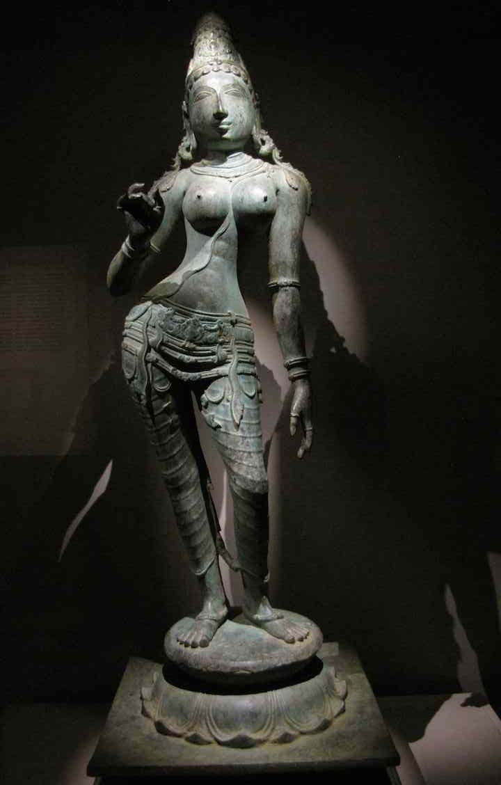 photo of Uma Parameshwari, bronze statue (India)
